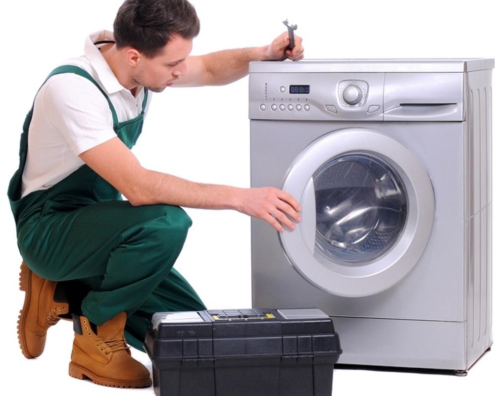 Картинки по запросу статьи про ремонт мастером  стиральной машины